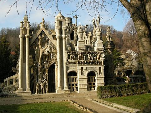 58. Ferdinand Cheval Palace (Francia)