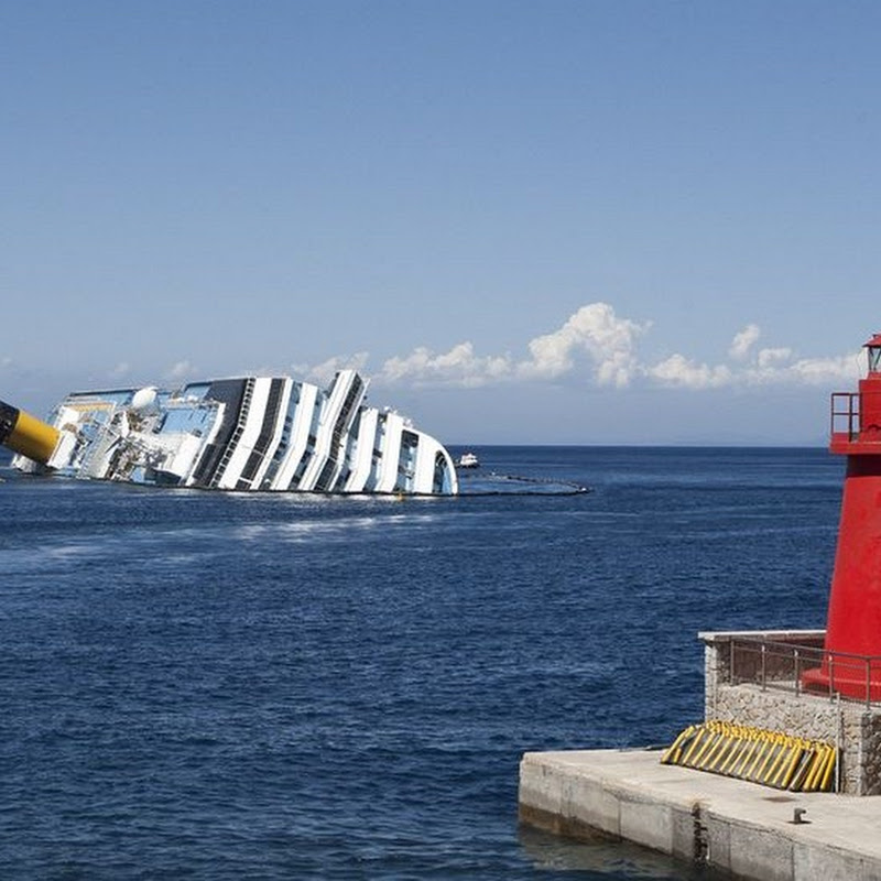 Capsized Cruise Ship 'Costa Concordia' Becomes Tourist Attraction