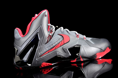 lebron11 elite team collection 07 web black The Showcase: Nike LeBron XI Elite Team Collection