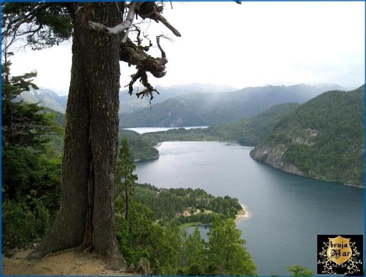 Argentina,Chubut,LagoPuelo-debrujaMar-0711