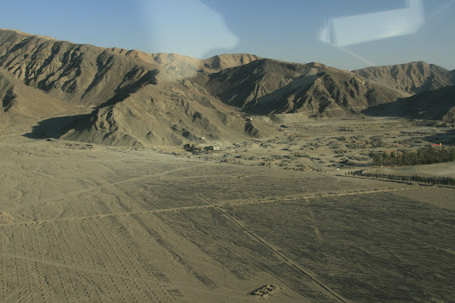 Taking off, and looking arouund Nazca desert.