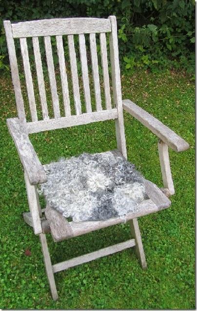 Stuhl mit Sitzfellchen