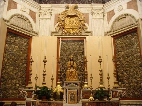 κρανίο-καθεδρικός ναός-Οτράντο-01