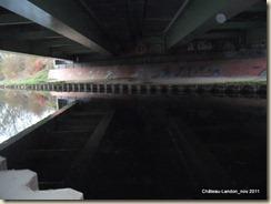 sous l'autoroute A 77-002