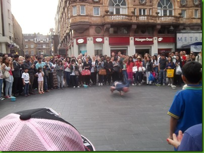 002  Gymnastic dancing in Leicester Square