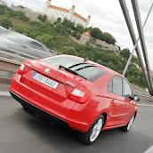 2013-Skoda-Rapid-Sedan-Red-Color-14.jpg