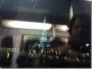 Métro, Paris la nuit...