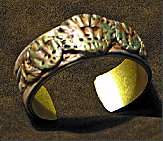 Artbliss Perrie  cuff_edited-1