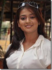 varsha-ashwathi-latest-beautiful-photo
