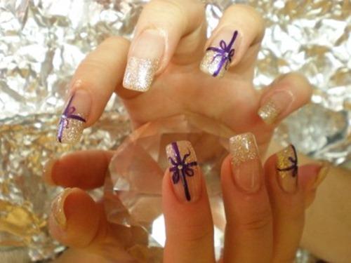 Glittering-Nail-Art