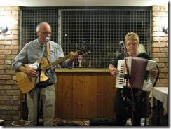 Neil and Julie play for Cutweb
