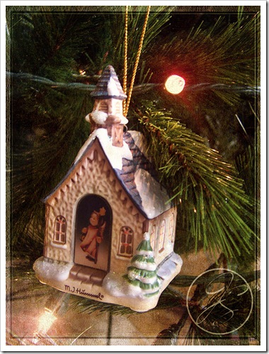 Hummel_Church_Ornament