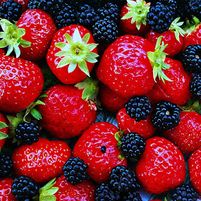 by Dobrin Anca - Food & Drink Fruits & Vegetables ( red, food )