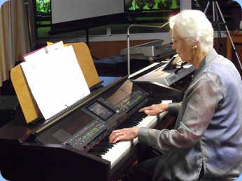 Dorothy Waddel playing the Clavinova