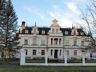palac od frontu