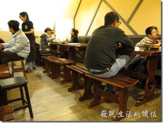 東京益田居酒屋的外觀及店內一隅。