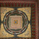 Plafond du monastère du Bouhtan - Chaque pays boudhiste a un temple pour le receuillement en ce lieu sacré : Thailande, Bouhtan, Chine...