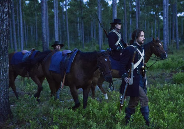 "SLEEPY HOLLOW: A Revolutionary-era Ichabod Crane (Tom Mison, R) is resurrected and awakes in present day Sleepy Hollow, in the""Blood Moon"" episode of SLEEPY HOLLOW airing Monday, Sept. 23 (9:00-10:00 PM ET/PT) on FOX. ©2013 Fox Broadcasting Co. CR: Brownie Harris/FOX"