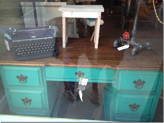 teal desk 021