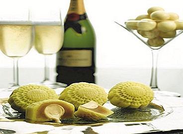 Szechuan Court Mini Snow-Skin Champagne Truffle & Chocolate Ganache Mooncak