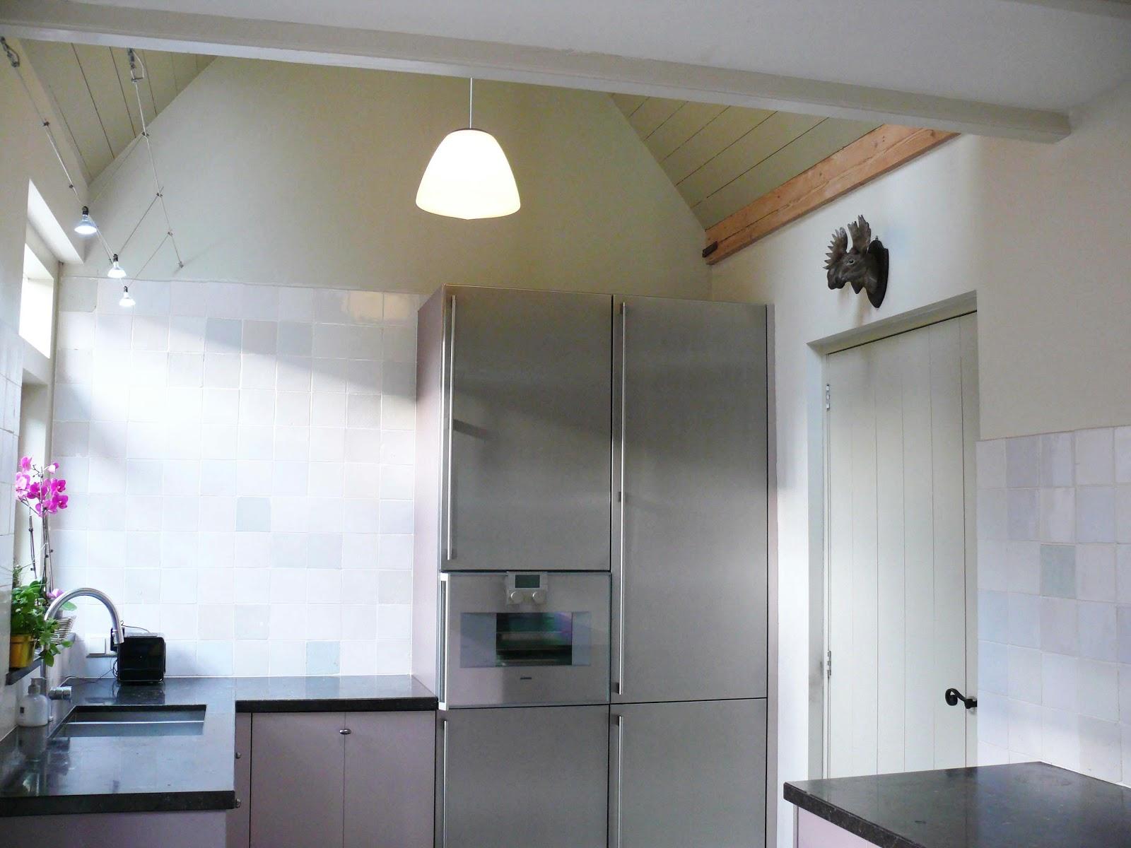 Eetkamerbank modern interieur meubilair idee n - Modern deco in oud huis ...