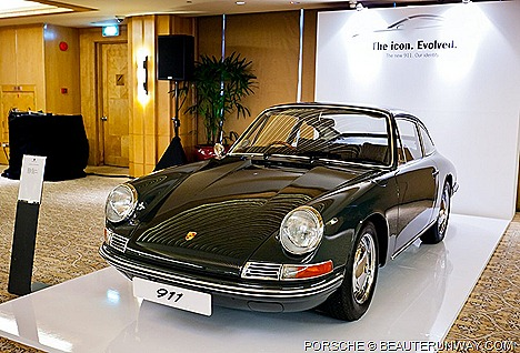 PORSCHE 911 CARRERA NEW AND CARRERA S AND PORSCHE FINANCIAL SERVICES SINGAPORE LAUNCH AT RITZ CARLTON MILLENIA