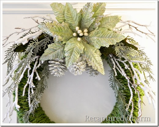 finger knitted christmas wreath17