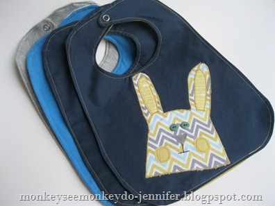 applique bunny bibs (10)