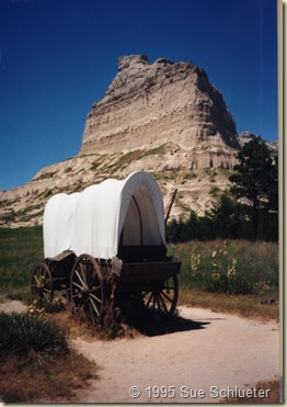 Covered wagon at Scotts Bluff