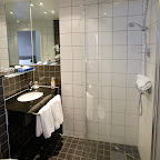Arnarhvoll-bathroom.jpg