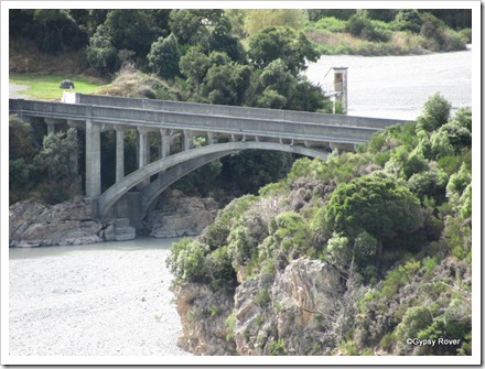 Rakaia Gorge road bridge.