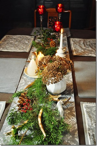 simple and natural Christmas table