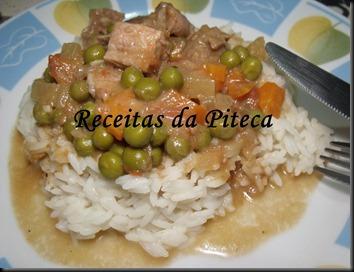 Rojões com legumes em cama de arroz aromático ( Bom Sucesso)