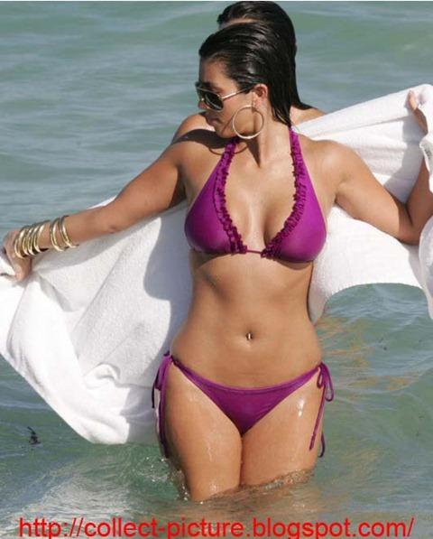 kim kardashian sexy bikini (7)