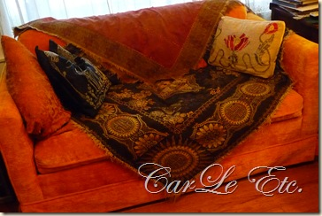 sofa,dbl scarf,christmas2011 029