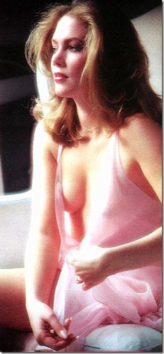 80s-cleavage-love-36