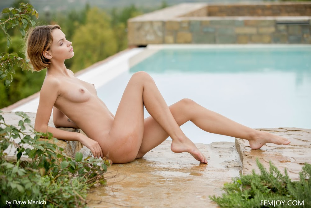 [FemJoy] Ariel A - A Pool With A View - idols