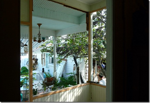 laundry porch 005