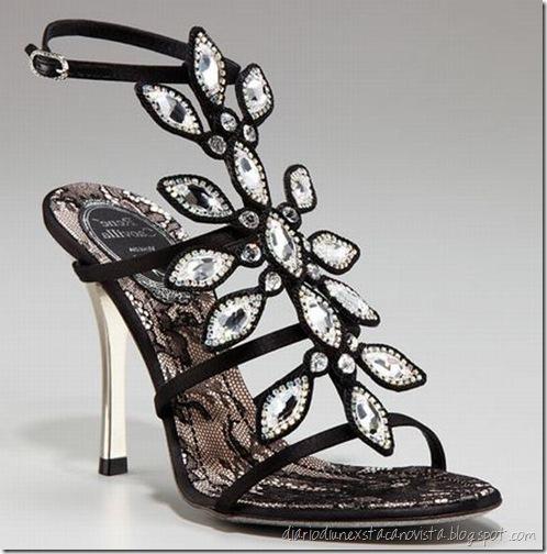 jeweled-t-strap-sanda_rene-caovilla_VN2Af_23163