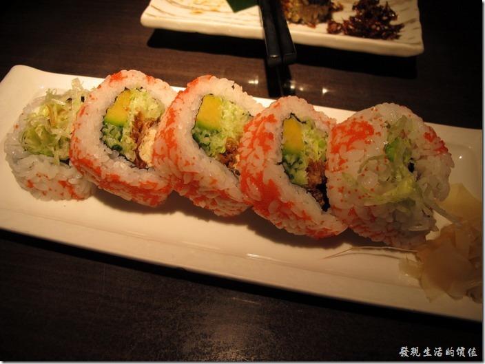 台北-三四味屋。單點─軟殼蟹壽司,NT$260。聽說這是這裡的特色菜,不過端出來之後有點給它大失所望。