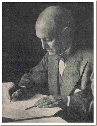 Hugo Wast escribiendo