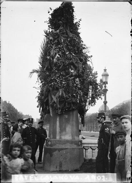 Estatua-Rafael-Casanova-Paseo-San-Juan-1907.jpg