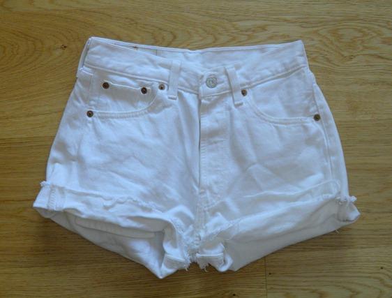 WHITE LEVIS 501 2