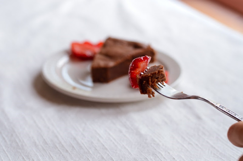 Gluten Free Garbanzo chocolate cake-0083