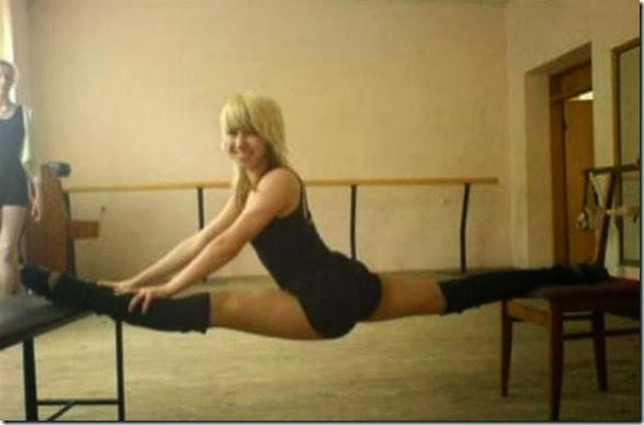 girls-stretching-yoga-035