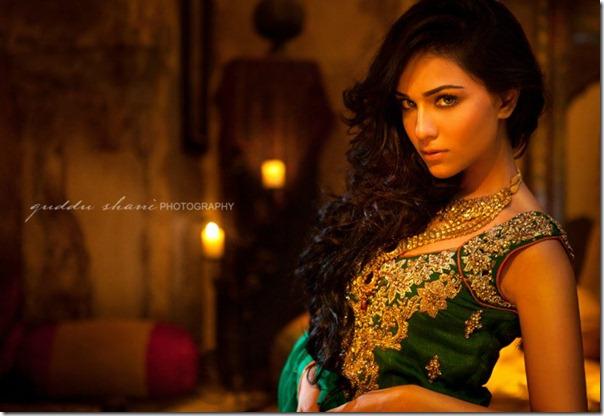 Nickie-Nina-Mughal-Raj-6