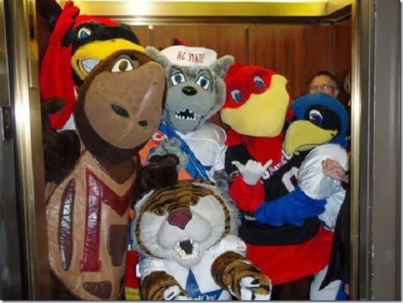 mascots-creepy-wrong-11