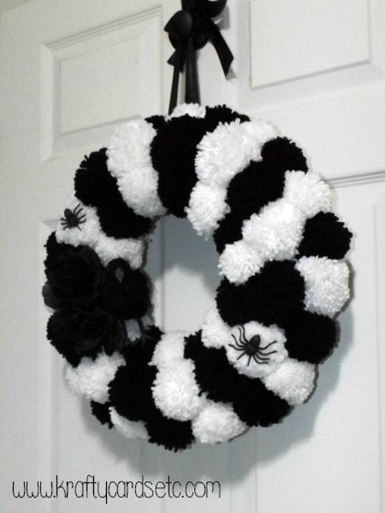 Halloween-PomPom-Wreath-3