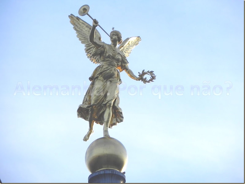 Anjo que fica no alto deste domo Dresden