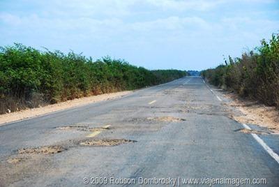 estrada esburacada